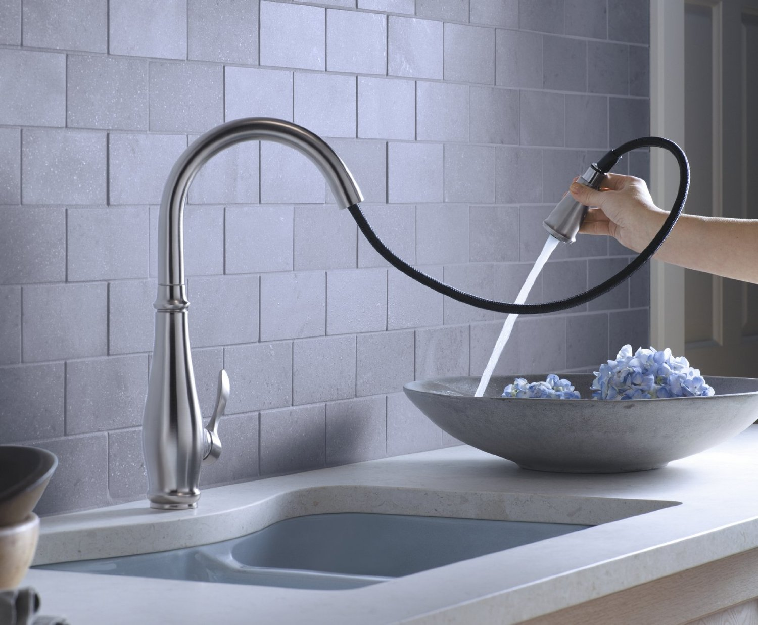 Best kitchen faucets 2013 kitchen faucets hub for Best faucet for kitchen sink