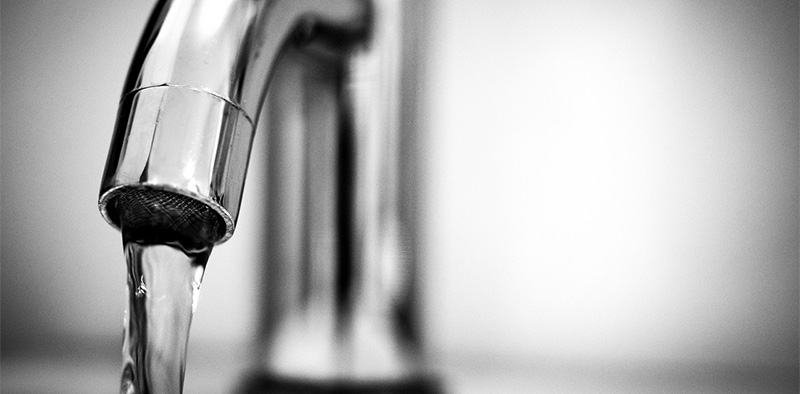 Best Touchless Kitchen Faucets - Reviews & Buyer\'s Guide